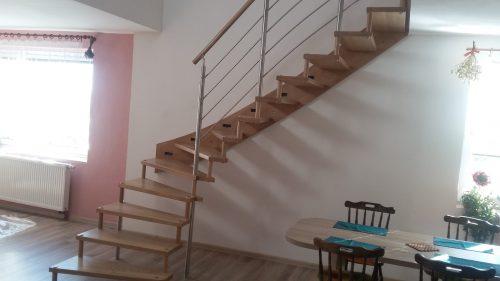 Lehké, pevné schody